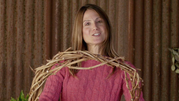 How to Make a Grape Vine Wreath